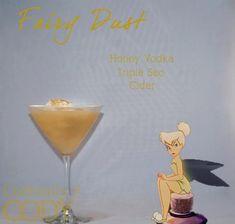 Absolut Vodka, Disney Themed Drinks, Disney Princess Cocktails, Halloween Cocktails, Fun Cocktails, Summer Drinks, Triple Sec, Cocktail Disney, Cocktails