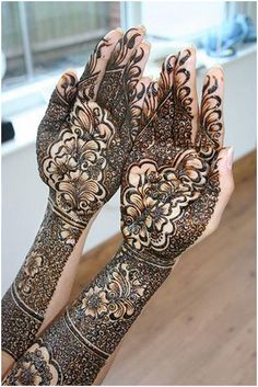 Simple And Safe Ways To Remove Mehndi