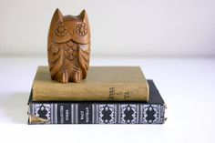 my two favorite things...owls and books!!