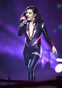 The best memes uploaded by members of The Bro Code. Charli Xcx, Catsuit, Glasgow, Mtv, Leather Pants, Beautiful Women, Wonder Woman, Singer, Actresses
