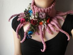When keeping warm, there's no reason not to do it in style. Today's Saturday Selection is an incredible creation by Irregular Expressions. I knit and have dabbled in crochet but I do need a patte. Freeform Crochet, Knit Or Crochet, Crochet Crafts, Crochet Projects, Free Crochet, Scarf Crochet, Crochet Flower, Knitting Patterns, Crochet Patterns