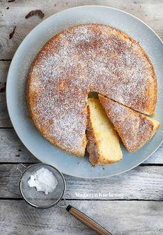 Włoskie ciasto z ricottą i jabłkami Brownie Recipes, Cake Recipes, Dessert Recipes, Cookies And Cream Cake, Pastry Cake, Dessert Drinks, Polish Recipes, Food Inspiration, Baked Goods