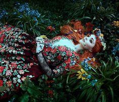 The fantasy portraits of Bella Kotak Fantasy Photography, Modern Photography, Artistic Photography, Photography Women, Fairy Tale Photography, Photography Flowers, Photography Ideas, Bella Kotak, Images Esthétiques