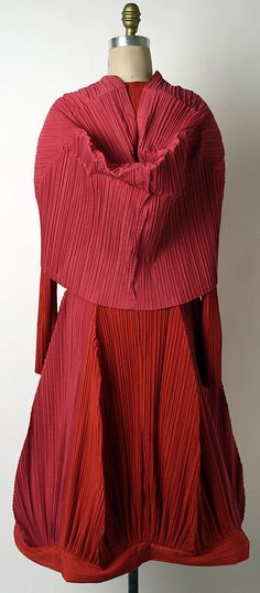 Issey Miyake 1990 Met Collection- back