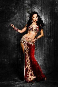 Possible Keela Halloween Costume Belly Dancer Costumes, Belly Dancers, Dance Costumes, Dance Outfits, Dance Dresses, Dance Oriental, Belly Dance Outfit, Red Costume, Tribal Dance