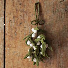 Felt Mistletoe ||| season, holiday, Yule, Christmas, Winter Solstice, gift, hang, ornament, tree