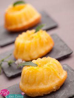 Gâteau moelleux à lorange - Candy Recipes, Sweet Recipes, Dessert Recipes, French Desserts, Mini Desserts, Desserts With Biscuits, Kolaci I Torte, Salty Cake, Orange Recipes