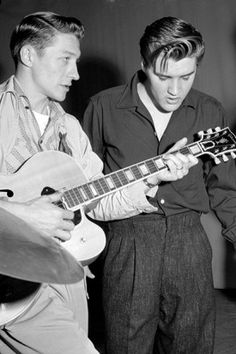 Elvis and Scotty   Cowboys and Indies: The Epic History of the Record Industry Gareth Murphy Serpent's Tail, pp.382, £14.99, ISBN: 9781781254523