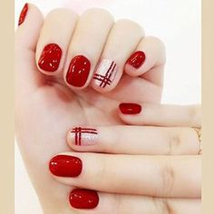 Cosmetics USA - Bridalvenus 24Pcs/Set Bridal False Nails Set Full Cover Short Square Silver and Red Lines Fake Nail Tips with Design Press on Nails with Glue and Adhesive Tab for Women and Girls