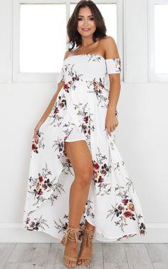 e8470eebe6e Lovestruck Maxi Dress In White Floral Produced