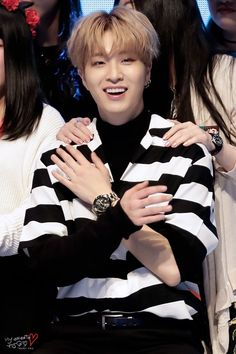 Just now i just read a comment said that youngjae is the most ugly in got7.. i just felt very angry i mean who is he to judge people..look at this sunshine how dare you said that he is not handsome... i just don't know what to say