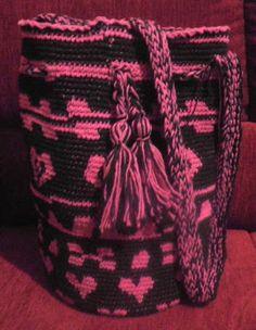 MARLY THIBES: bolsa estilo colombiana ( wayú )