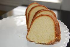 Lemon and Vanilla Bundt Cake (made with Club Soda)
