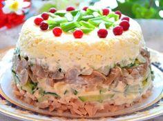 Салат «Ирина» Необычный салат к празднику из самых обычных продуктов. Этот простой, но очень вкусный салатик носит очаровательное женское имя. Почему? — спросите вы. Наверное, потому, что его придумала девушка по имени Ирина. Приятного аппетита!