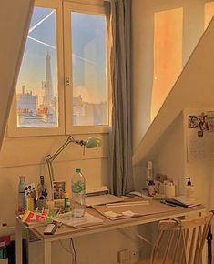 Study Room Decor, Room Ideas Bedroom, Bedroom Decor, Decor Room, Pretty Room, Dream Apartment, Seoul Apartment, Aesthetic Room Decor, 90s Aesthetic