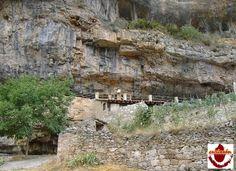El Cañón del Ebro a su paso por Orbaneja del Castillo es uno de los enclaves paisajísticos y medioambientales más bellos e impactantes de todo el norte de España.