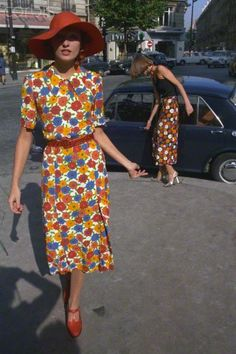 4f84ed6112 1974 - Saint Laurent Rive Gauche dresses - this could easily be from the