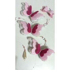 Móbile de borboletas confeccionado com feltro, tecido e pérolas.    Pode ser feito em outras cores, consulte-nos!    ***Valor unitário***