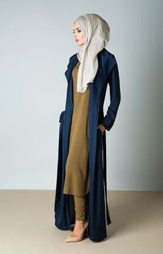 Plain Kimono Cardigan Fashion Inspirations for Hijabies – Girls Hijab Style & Hijab Fashion Ideas – Hijab Club Modern Hijab Fashion, Islamic Fashion, Abaya Fashion, Cardigan Fashion, Muslim Fashion, Kimono Cardigan, Modest Fashion, Fashion Outfits, Fashion Ideas