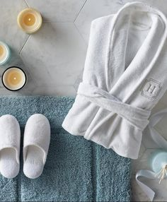 Essentials for cozy living Ultra soft plush robe and indoor Clothing Photography, Photography Topics, Soft Towels, Hand Towels, Luxury Towels, Comfy Bed, Bed Styling, Luxury Home Decor, Cozy Living