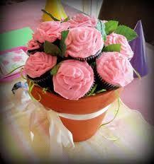 cupcake flower pot.  Google Image Result for https://lh5.googleusercontent.com/-BQlzWejA07k/TYth3H49hyI/AAAAAAAAL3c/w787c-txqf0/s1600/SAM_0719-1.JPG