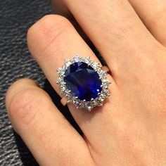 """As always #nofilter required on our big, #beautiful rings! Most of our #instore ring shots are taken on a camera phone - nothing fancy required as their #beauty shines through!  This #PrincessDiana inspired #sapphirering features a superb quality 8.5 carat natural #Ceylon #Sapphire surrounded by 1.4 carats of white #diamonds - making an unforgettable #engagementring or #anniversarygift  #colouredstone #precious #gemstone #ceylonsapphire #ringenvy #weddinginspo #fromthomas #thomasjewellers""…"