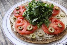 In questo post voglio spiegarvi come preparare una buonissima base pizza di quinoa senza glutine.