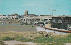 The old footbridge, Shoreham-by-Sea late Old Photos, Seaside, Beaches, 1950s, Old Things, Coast, Mansions, History, House Styles