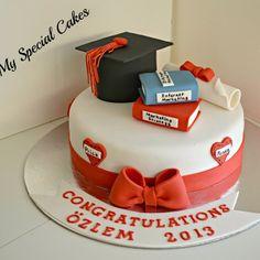 .@myspecialcakes   Graduation Cake   Webstagram