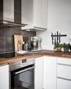 Follow  @khoolakitchen now for the best kitchen decor inspiration! Cool Kitchens, Kitchen Decor, Kitchen Cabinets, Indoor, House, Inspiration, Home Decor, Scandinavian Interiors, Blog