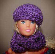 Juf Leej: Colsjaal + Baret/Muts voor Barbie (patroon)