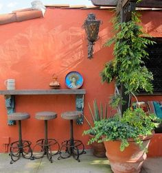 Patio Mexican Courtyard Design, Pictures, Remodel, Decor and Ideas Mexican Courtyard, Mexican Patio, Mexican Garden, Mexican Hacienda, Mexican Home Decor, Hacienda Style, Mexican Style, Mexican Bar, Courtyard Design