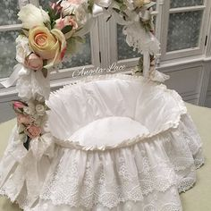 Cradle Ceremony, 25th Birthday Parties, Shaby Chic, Baptism Dress, Doll Beds, Basket Decoration, Baby Shower Decorations, Bassinet, Wedding Gifts