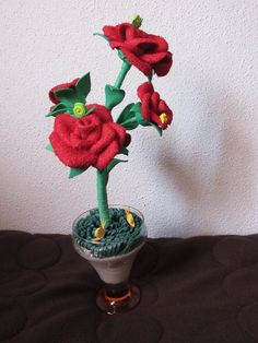 rosas vermelhas e seus caracolitos