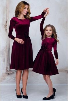 10 Cutest Mom And Baby Christmas Dress Matching Pair - mothers with daughters - . 10 Cutest Mom An Mother Daughter Matching Outfits, Mother Daughter Fashion, Mom Daughter, Mama Baby, Mom And Baby Outfits, Moda Kids, Dresses Kids Girl, Baby Dresses, Dresses Dresses