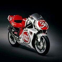 Cafe Racer Motorcycle, Racing Motorcycles, Ducati Motogp, Gsxr 1100, Japanese Motorcycle, Suzuki Gsx, Bike Art, Classic Bikes, Super Bikes