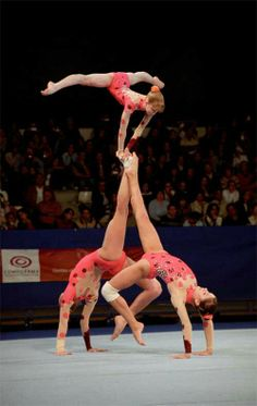 Never seen this before, again, gymnasts are so creative! Just like, Oh, why wouldn't we lift our feeT? No probs :) I love it Amazing Gymnastics, Artistic Gymnastics, Gymnastics Birthday, Gymnastics Girls, Physical Fitness, Yoga Fitness, Martial, Acrobatic Gymnastics, Gymnastics Photography