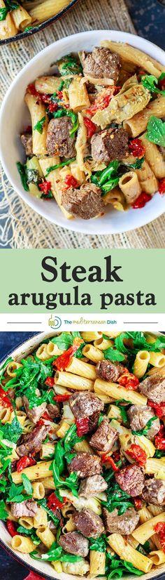 SUB with Spaghetti Squash? Steak Arugula Pasta with Garlic White Wine Sauce - A one-pan wonder with tenderloin steak, arugula, artichokes, sun-dried tomato and more! Pasta Recipes, Beef Recipes, Dinner Recipes, Cooking Recipes, Healthy Recipes, Steak Pasta, Pasta With Beef, Steak Meals, Pasta Dishes