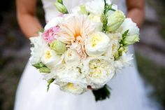 Pastel bouquet perfection; Eau Claire Photographics on The Lovely Find