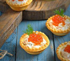 Тарталетки с начинкой из тунца, творожного сыра и красной икры. - Вкусная пауза