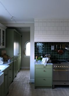Green tiles fit perfectly to the khaki green cabinets in awesome kitchen by You can also watch a movie about how the kitchen was created👍🏻💚 Have a nice weekend! Simple Interior, Home Interior, Kitchen Interior, Rustic Kitchen, Kitchen Dining, Kitchen Cabinets, Kitchen Pantries, Rustic Room, Black Kitchens