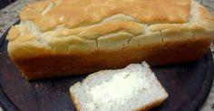 Ainda na linha de receitas sem glúten e sem lactose que tenho testado, aqui está um pão que é muito gostoso e não esfarela como geralm...