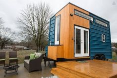 Here is a great modern tiny house on wheels you can now vacation in. Check out Jennifer & Adam's newly constructed tiny house in East Nashville, centrally located between the Nashville Skyline ...