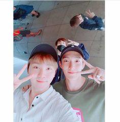 171003 #SEVENTEEN Instagram Update (while they were in Chicago @Cloud Gate) - #Seungkwan #DK #Seokmin #Wonwoo #Wonu <3