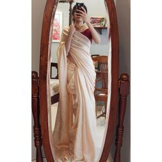 Follow This Brand To Style Simple Sarees in Epic Ways! • Keep Me Stylish Indian Fashion Dresses, Dress Indian Style, Indian Designer Outfits, Ethnic Fashion, Indian Designers, Indian Wear, Indian Outfits, Fashion Clothes, Simple Sarees
