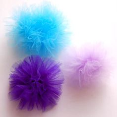Tulle Flowers for Hair Bows Tulle Hair Bows, Tulle Poms, Tulle Flowers, Diy Hair Bows, Bow Hair Clips, Diy Flowers, Tulle Fabric, Diy Hairstyles, Pretty Hairstyles