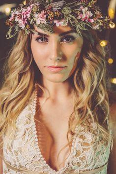 Corona de flores, vestido novia, maquillaje para novias, peinado para novia - hair wreath, wedding dress, bridal make up, wedding hairstyle