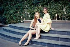 This HD wallpaper is about women's yellow dress, Sophie Turner, Maisie Williams, redhead, Original wallpaper dimensions is file size is Maisie Williams Sophie Turner, Celebrity Wallpapers, Celebrity Photos, New York Times, Ny Times, Nathalie Emmanuel, Sansa Stark, Blake Lively, Yellow Dress