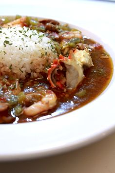 Louisiana style gumbo with crab, shrimp, chicken, andouille sausage, and more! The gumbo I ever had ! Creole Recipes, Cajun Recipes, Seafood Recipes, Cooking Recipes, Gumbo Recipes, Cajun Food, Chili Recipes, Crab Gumbo Recipe, Haitian Recipes