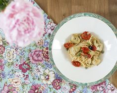 Amazing artichoke tomato pasta, this is the recipe you want to try.